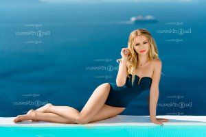 Annelyne independent escort and sex parties