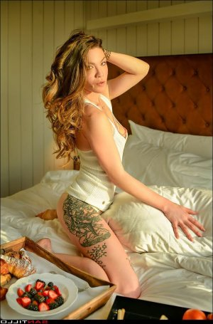 Lilouenn outcall escort in Burleson Texas