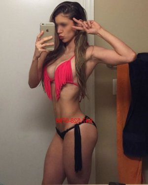 Arsena live escort